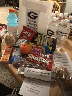 Goodie bags for wrestlers staying overnight in the hotel before sectionals. Water, Gatorade and snacks. Softball Goodie Bags, Softball Gifts, Softball Birthday Parties, Volleyball, Basketball, Cheer Team Gifts, Coaches Wife, Senior Night Gifts, Wrestling Team