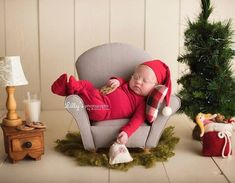 35 ideas photography ideas kids baby newborn shoot sweets for 2019 Newborn Baby Photography, Newborn Session, Newborn Photos, Christmas Newborn Photography, Boy Newborn, Newborn Christmas Photos, Baby Christmas Pictures, Baby Christmas Photoshoot, Baby Boy Christmas Outfit