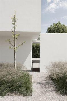 dezeen — House DZ in Mullem by Graux & Baeyens Architecten . Houses Architecture, Minimalist Architecture, Landscape Architecture, Interior Architecture, Landscape Design, Landscape Grasses, Ancient Architecture, Sustainable Architecture, Garden Inspiration