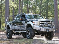 Ive never been much of a ford guy. But I do admit they can turn them into beautiful customs. 2011 Ford F350 Super Duty Lifted