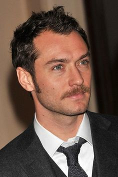 minus the sideburns and stache Mustache Styles, Beard No Mustache, Jude Law, Sideburns, Great Beards, About Hair, Facial Hair, Haircuts For Men, Gorgeous Men