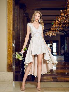 robe de mariée asymétrique en dentelle