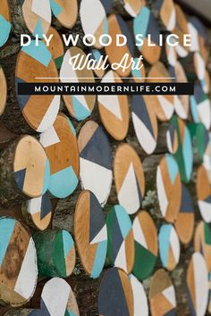 Do you have some fallen branches in your backyard? See how easy it is to reimagine them into wood slice art! via @MtnModernLife