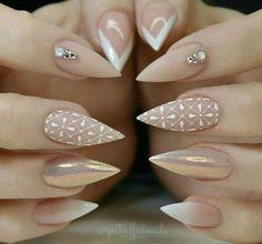Nude +  blanco + efecto oro + efecto  perla, + geométrico - mano alzada - detalles en blanco - francés +degradado