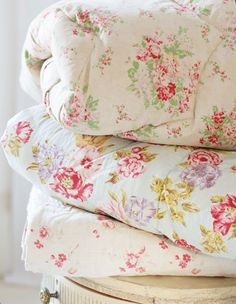 A very pretty floral pattern......