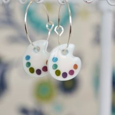 Paint Palette Earrings Artist painter earrings by PaperPatternSilk Cute Jewelry, Glass Jewelry, Jewelry Crafts, Handmade Jewelry, Earrings Handmade, Jewellery, Plastic Fou, Shrink Plastic Jewelry, Bijoux Fil Aluminium