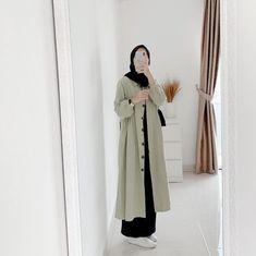 Modest Fashion Hijab, Modern Hijab Fashion, Muslim Women Fashion, Hijab Fashion Inspiration, Chic Outfits, Fashion Outfits, Skirt Fashion, Hijab Evening Dress, Hijab Fashionista