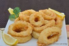 Calamari, A Food, Food And Drink, Spanish Cuisine, Onion Rings, Fish And Seafood, Seafood Recipes, Great Recipes, Cooking