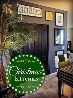 A (small) CHRISTMAS KITCHEN - A kitchen already with black doesn't need anymore at Christmas: Converted chalkboard printables from blackboards to green for Holiday - Lynda Quintero-Davids - Focal Point Styling Thanksgiving Decorations, Christmas Decorations, Christmas Ornaments, Holiday Decor, Christmas Kitchen, Christmas And New Year, Christmas Décor, Small Space Solutions, Diy Crafts