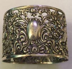Silber 835 antiker Serviettenring, durchbrochen, Rosen und Putti, ohne Monogramm