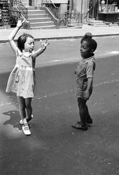 1x1.trans 7 Lessons Helen Levitt Has Taught Me About Street Photography