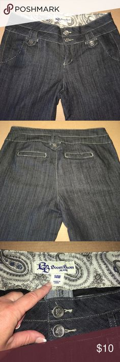"Boom Boom Jeans Size 14W Wide Leg Dark Denim Pretty buttons and stitching. 32"" inseam. Leg openings are 11"" laying flat. Boom Boom Jeans Flare & Wide Leg"