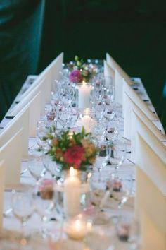 Dale un toque romántico y cálido a tu boda decorando con velas Image: 2