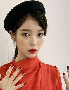 👉 - 의 . Snsd Yuri, Luna Fashion, Classy Aesthetic, Kpop, Korean Artist, Korean Makeup, Pretty Men, K Idols, Princesses