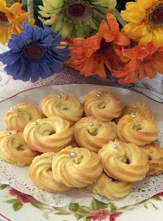 枫林温馨花园   Maple Grace Garden                                                              : ~~  Butter Cookies ❤  牛油酥饼  ~~