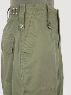 Men Trousers, Workwear Trousers, Bohemian Style Men, Fashion Pants, Mens Fashion, Battle Dress, Army Clothes, Army Pants, Vintage Pants