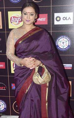 Photos: Top Bollywood celebs at Star Guild Awards 2015 Indian Beauty Saree, Indian Sarees, Silk Sarees, Bollywood Dress, Bollywood Fashion, Indian Actress Photos, Indian Actresses, Divya Dutta, Most Beautiful Bollywood Actress