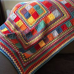 Random Rainbow Blanket by Janette of Handmade In Marbella. General tutorial for constructing, assuming you already know how to make granny squares & rows. Random Rainbow Blanket (no pattern, just pictures) 11 Modern Granny Square Crochet Baby Blanket Patt Crochet Square Blanket, Granny Square Crochet Pattern, Crochet Squares, Crochet Granny, Crochet Blanket Patterns, Baby Blanket Crochet, Crochet Baby, Granny Squares, Crochet Blankets