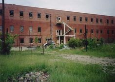 Junction City Prison. This Perry County prison was a branch of the Ohio State Penitentiary where well-behaved inmates were sent to make bricks. Robert Redford and Morgan Freeman did time here 25 years ago. This building has since been *DEMOLISHED*