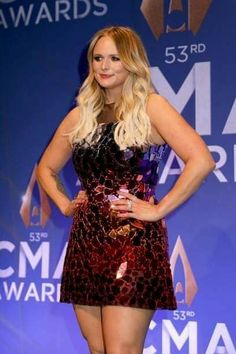 Miranda Lambert speaks in the press room of the annual CMA Awards at the Bridgestone Arena on November 2019 in Nashville, Tennessee. American Country Music Awards, Academy Of Country Music, Maranda Lambert, Miranda Lambert Photos, Cma Awards, I Love Girls, Country Girls, Ford, Formal Dresses