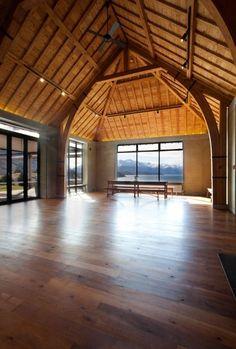 Rippon Hall | Rafe Maclean Architects » Archipro Log Cabin Homes, Barn Homes, Urban Garden Design, Cool Room Decor, Converted Barn, Barn Living, Modern Barn, Metal Homes, Zaha Hadid