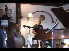 Bob Stabach is a great Vermont saxophonist. In this video, he and a very talented ensemble play Samba de Chuva by Eugene Uman.