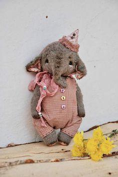 Artist Teddy Elephant By Elena Lemmer - Bear Pile