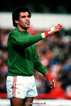 Peter Shilton - Nottingham Forest -as a player.