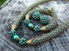 Bead Embroidery Jewelry, Beaded Jewelry Patterns, Beaded Embroidery, Beading Patterns, Turquoise Beads, Turquoise Necklace, Beaded Necklace, Beaded Bracelets, Necklace Tutorial