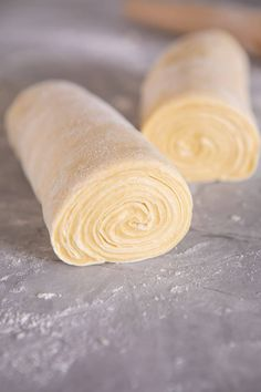 Flaky Honey Brioche Bread. Honey Butter, Salted Butter, Unique Recipes, Sweet Recipes, Bread Recipes, Cooking Recipes, Coffee Recipes, Crazy Dough, Brioche Bread