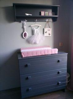 Babykamer# meisjeskamer# girlsroom# commode# grijs# wit# mint# rose ...