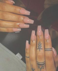 Looking for the best nail art for Look no further! We have found 35 of the very best nail art and are happy to share it with you. Acrylic Nail Designs, Nail Art Designs, Acrylic Nails, Acrylics, Finger Tattoos, Hand Tattoos, Finger Tattoo Designs, Tatoos, Gorgeous Nails