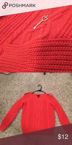 Coral worthington sweater Cute coral sweater in really good condition :) Worthington Sweaters Crew & Scoop Necks