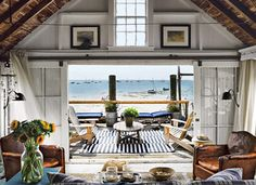 Are you a brownstone or beach house kind of person?
