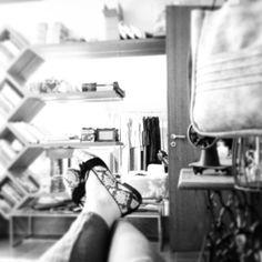 Break hour, happy hour, simply the best hour... O importante é aproveitar sempre! #juliannafraccaro #fashion #hojepode #moda #portoalegre #fridayvibes