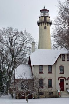 Grosse Point Lighthouse I, Evanston, IL Saint Mathieu, Beautiful Places, Beautiful Pictures, Lighthouse Pictures, Beacon Of Light, Light Of The World, The Good Place, Around The Worlds, Landscape Photos