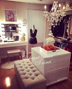 Glam beauty room inspiration, spare room ideas, walk-in closet Closet Vanity, Vanity Room, Glam Closet, Closet Mirror, Vanity Bathroom, Diy Walk In Closet, Closet Small, Modern Closet, Dressing Room Closet