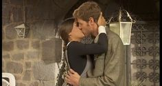 Il Segreto: Il Segreto: Mariana e Nicolas, il primo bacio - Vi...