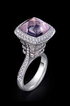 Minawala Ring in white gold, diamonds & rose quartz