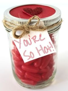 Surprise your loved ones with these easy DIY Valentines mason jar gifts this year! These mason jar gifts are perfect for Valentines day. Cute Valentine Ideas, Valentines Gifts For Boyfriend, Valentine Crafts, Boyfriend Gifts, Valentine Day Gifts, Holiday Gifts, Printable Valentine, Valentine Wreath, Valentine Box