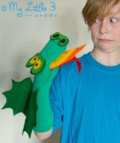 No Sew Dragon Sock Puppet (Free Pattern) - Kids Craft Room Puppet Crafts, Sock Crafts, Crafts For Kids, Horse Crafts, Sock Puppets, Hand Puppets, Dragon Puppet, Dinosaur Puppet, Puppets For Kids