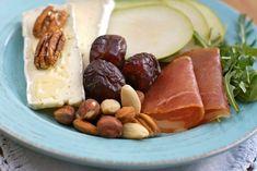Mat for en god natts søvn – Berit Nordstrand Nom Nom, Sausage, Food And Drink, Gluten, Lunch, Cheese, God, Breakfast, Tips