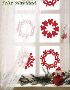 Originales diseños de copos de nieve para aplicar en las ventanas de tu casa es ta navidad.