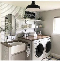 A dream laundry room makeover - We all dream of the perfect projects .- A dream laundry room makeover – We all dream of realizing the perfect home remodeling projects – no matter – - Laundry Room Remodel, Laundry In Bathroom, Laundry Decor, Remodel Bathroom, Vintage Laundry Rooms, Laundry Room Utility Sink, Small Laundry Rooms, Laundry Room Countertop, Mudroom Laundry Room