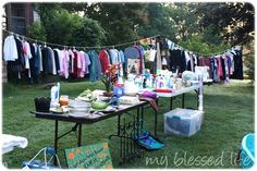 10 Successful Yard Sale Tips myblessedlife cool stuff - Modern Vida Frugal, Garage Sale Tips, Rummage Sale, Things To Know, Things To Sell, Clothes For Sale, Getting Organized, Cleaning Hacks, Deep Cleaning