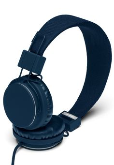 The Indigo UrbanEars Plattan is a collapsible pair of on-ear headphones featuring a remote/mic and ZoundPlug for instant sharing. Wireless Headphones, Over Ear Headphones, Bluetooth, Ear Cap, Headphone With Mic, Gifts For My Boyfriend, Ipod, Headset, Innovation