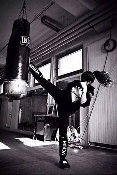 Image about box in Sport/Jeux by Ciao Bella on We Heart It Badass Aesthetic, Bad Girl Aesthetic, Character Aesthetic, Bild Girls, Strong Girls, Badass Women, Dream Life, Aesthetic Pictures, Photography Poses