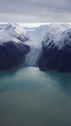 Jéghideg arany   Flickr - Photo Sharing! Aerial shot of snow capped mountains in Greenland.