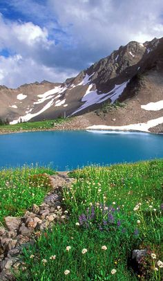 By: Will Reilly The Pacific Northwest is full of adventurous spots and home to some of the worlds most beautiful, diverse day hikes. Spanning...