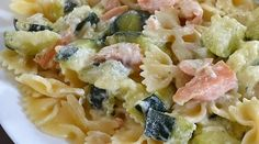 Pâtes saumon courgettes et boursin Cook Expert Pasta Thermomix, Cooking Chicken Thighs, Pro Cook, Cooked Cabbage, Cooking Spaghetti, One Pot Pasta, Cooking Chef, How To Cook Pasta, I Love Food
